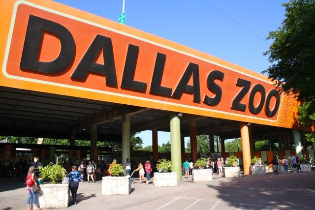 Dallas Zoo Sign